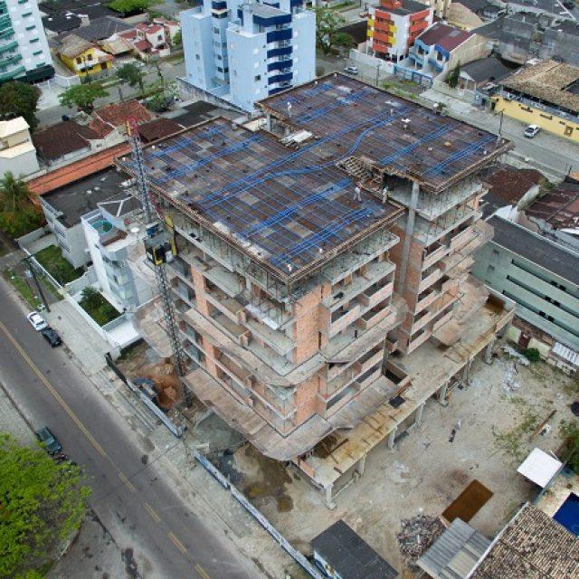Novembro 2018 – Concretagem 9ª laje, reboco 3º andar, elétrica e hidráulica 4º andar – Ed. Monte Carlo